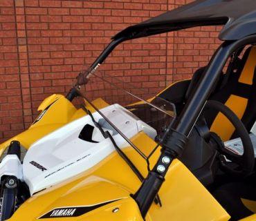 Direction 2 - Flache Windschutzscheibe Yamaha YXZ1000R